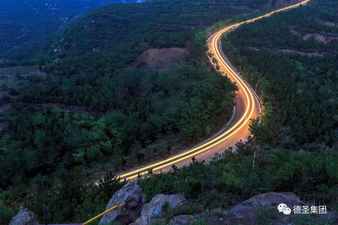 太原东西山旅游公路(防火通道)景观绿化